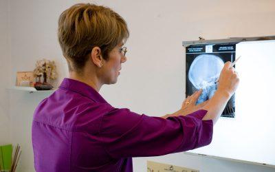 Paradontoza sau boala parodontală – ce este, de ce apare și cum se tratează